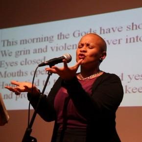 Soirée poésie sud-africaine à la Maison Internationale de Rennes.