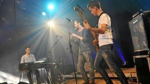 les-trois-musiciens-du-groupe-fleuves-proposeront-des-sets_2345799_660x372