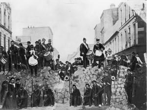 La_Commune__barricade_rue_de_Charonne