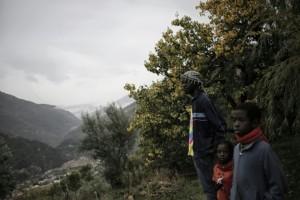 migrants-a-breil-sur-roya-le-25-octobre-2016-pres-de-menton-dans-la-vallee-de-la-roya